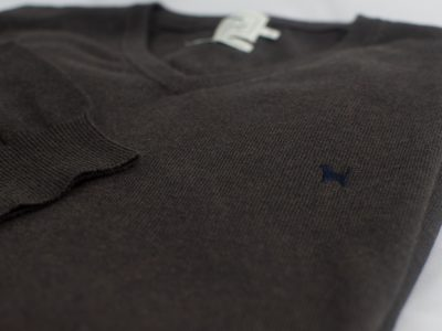 The Cashmere Cotton Blend V Neck Chocolate